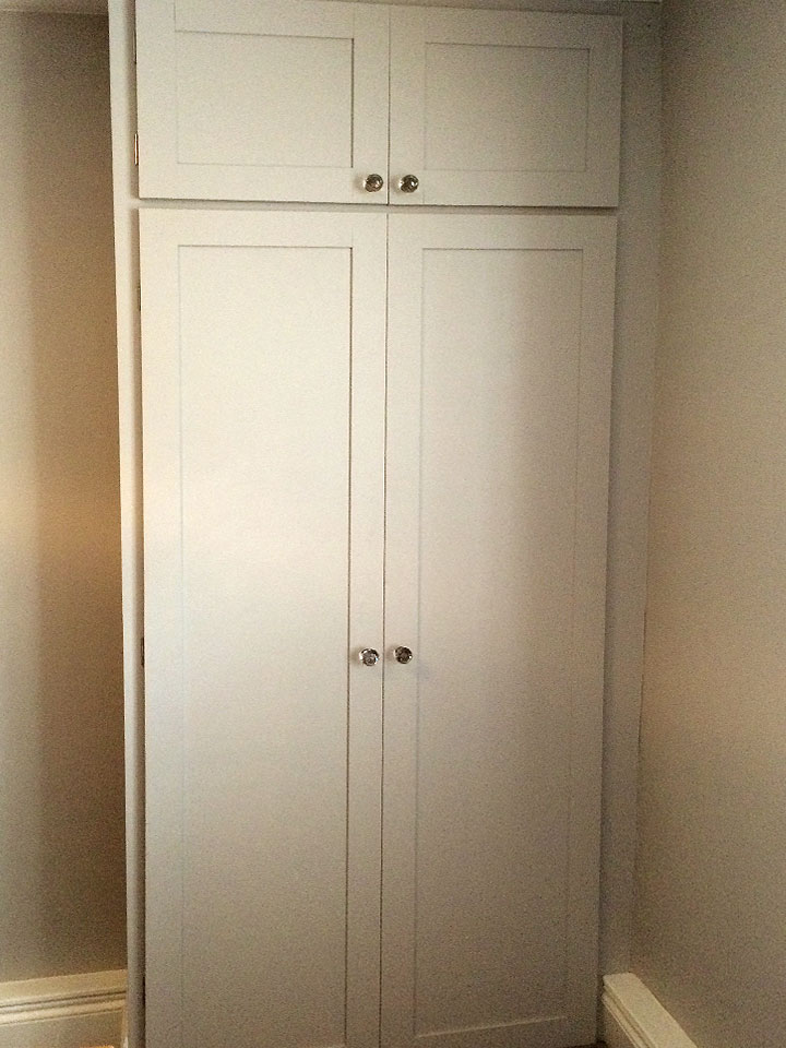 Shaker Style Fitted Wardrobe Alcove Unit